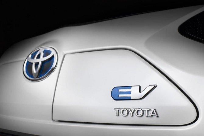 Тойота сообщила ополном отказе производителей автомобилей отДВС к 2050-ому году