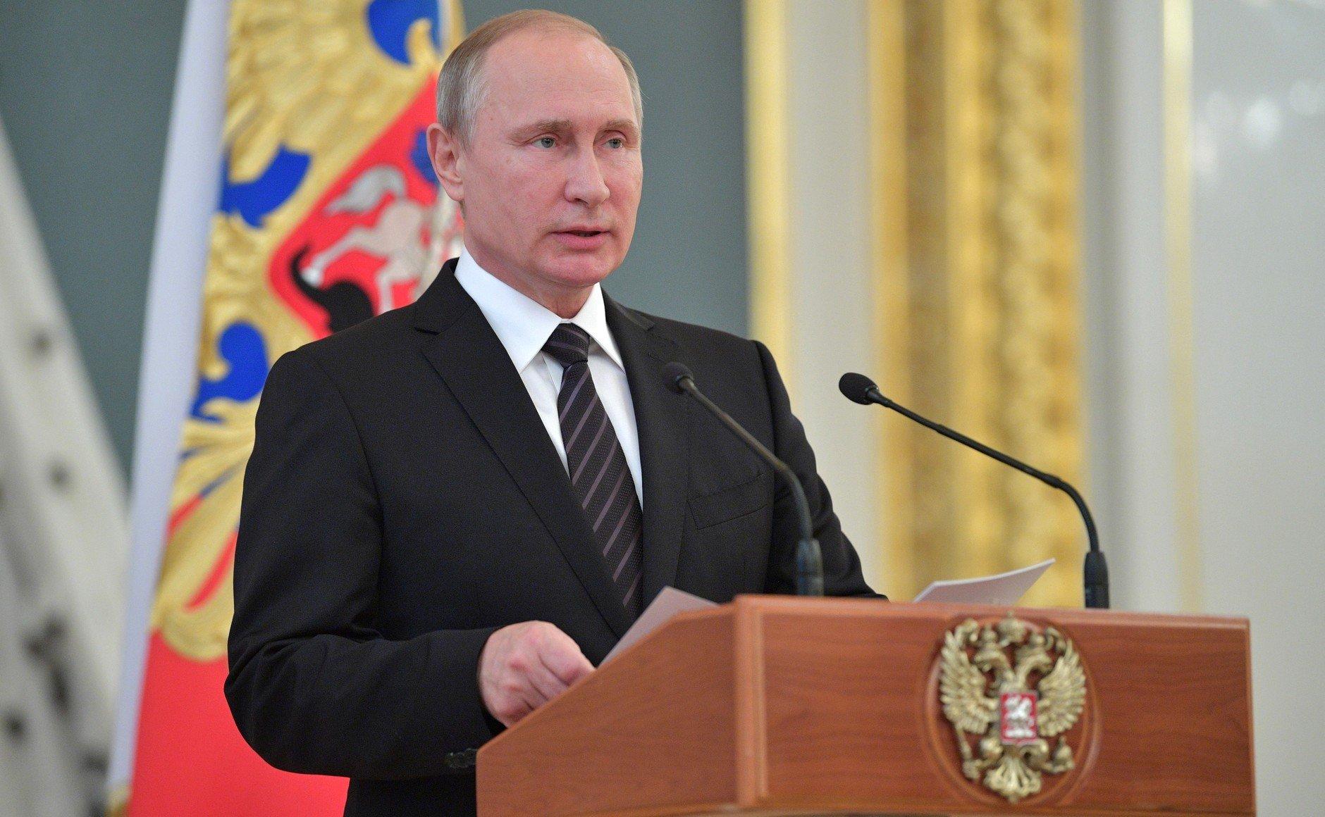 Путин поручил МИД сделать рабочую группу для защиты граждан России зарубежом
