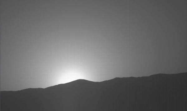 Уфолог: NASA скрывает снимок статуи Марсианского Короля