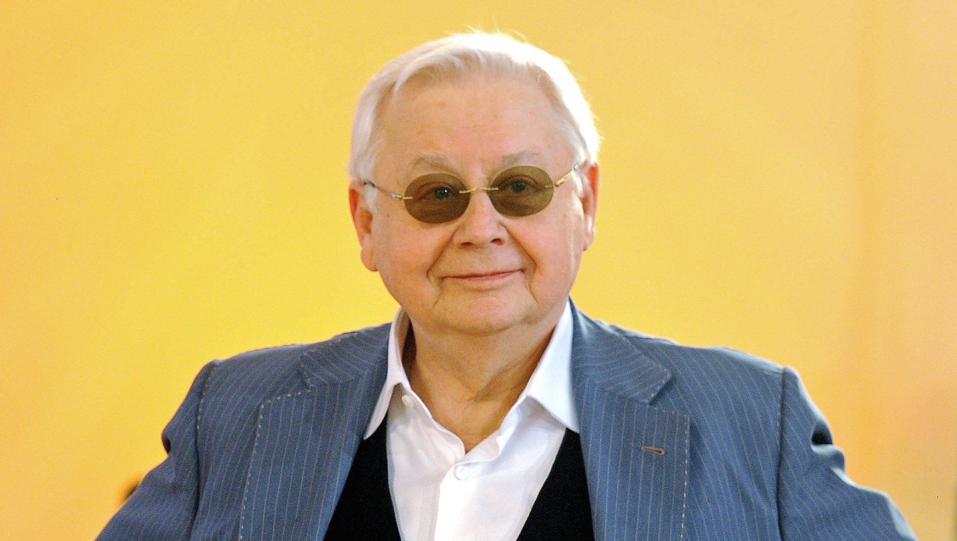 Старший сын Олега Табакова Антон сказал, что отец находится встабильном состоянии