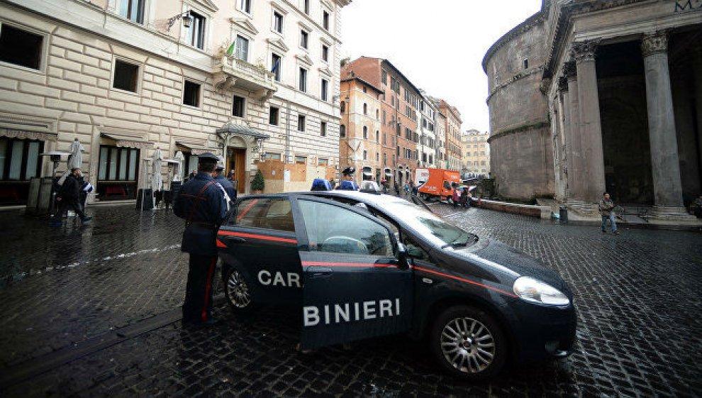 Вцентре Рима уотделения карабинеров произошел взрыв