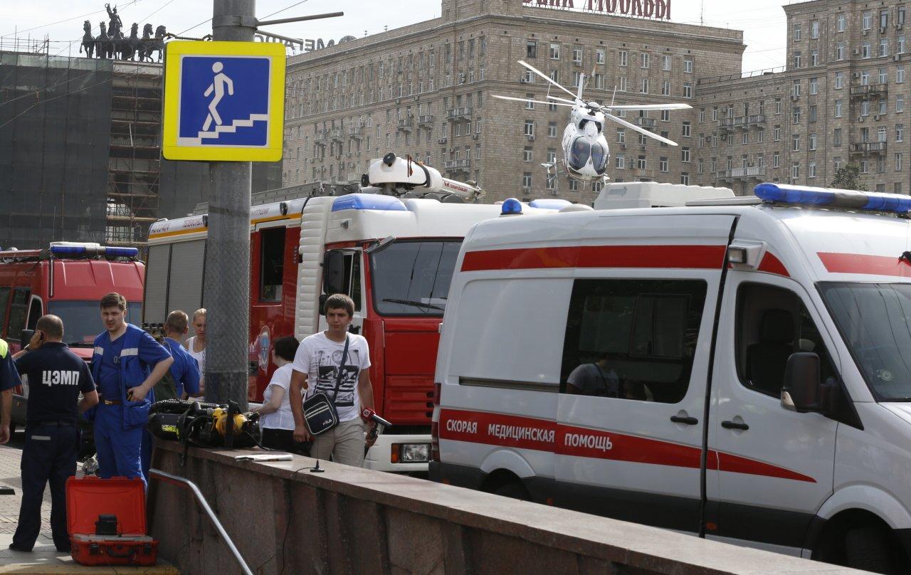Впетербургском метро пенсионерка упала сэскалатора иполучила серьезную травму