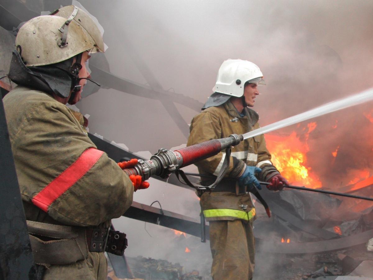 7 человек спасли изгорящего дома вцентральной части Москвы