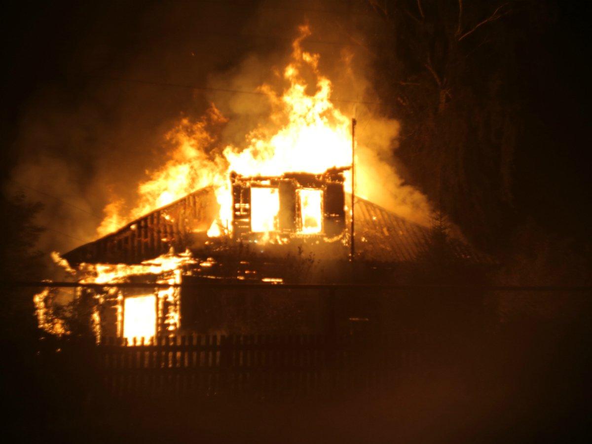 Американка сожгла дом, пытаясь выгнать клопов