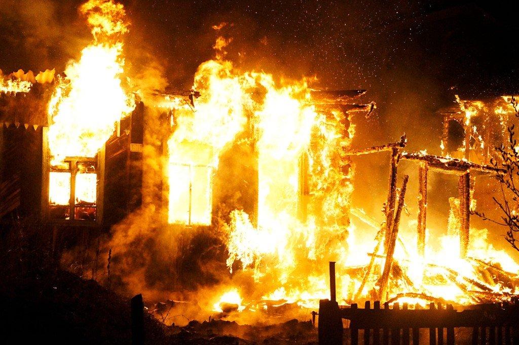 Пострадавшие отпожара вРостове требуют разрешения строиться на собственной земле