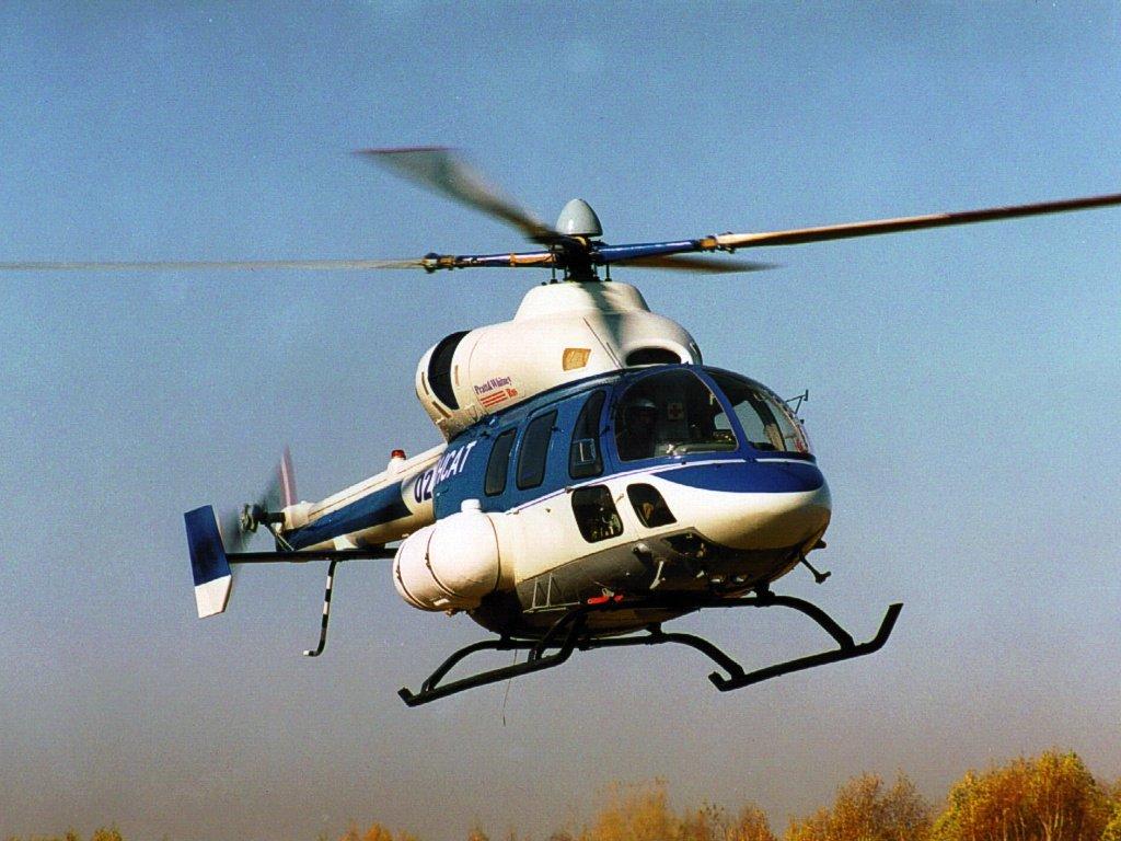 Наплощади вцентре Орла приземлился вертолет, через 5 минут онулетел