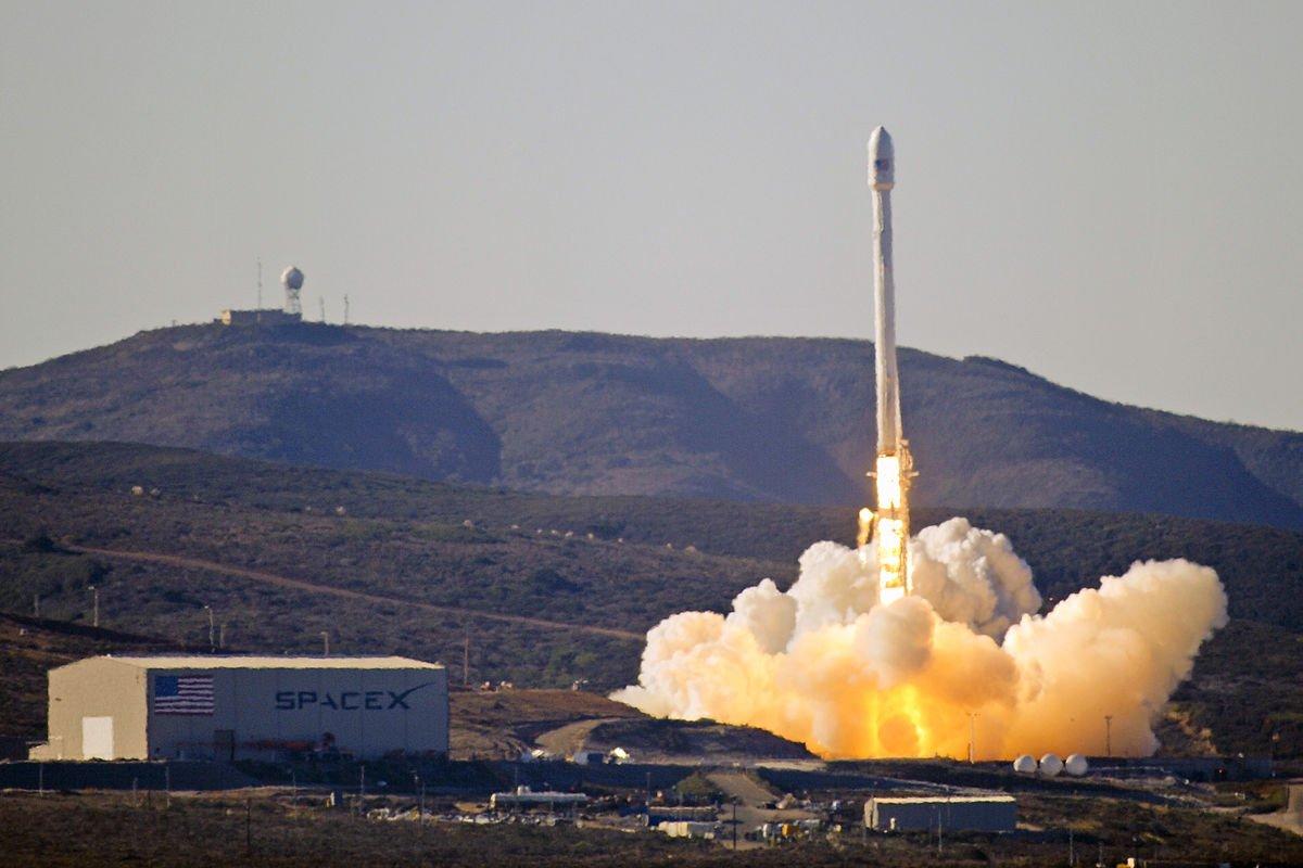 SpaceX впервый раз отправила наорбиту уже использовавшейся корабль намногоразовой ракете