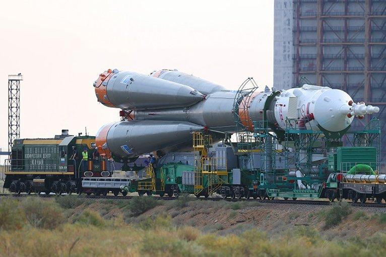 Госкомиссия утвердила экипаж стартующего 17 декабря к МКС Союза