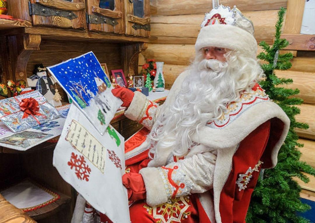 Дедушка Мороз получил неменее 3 млн заявлений отдетей