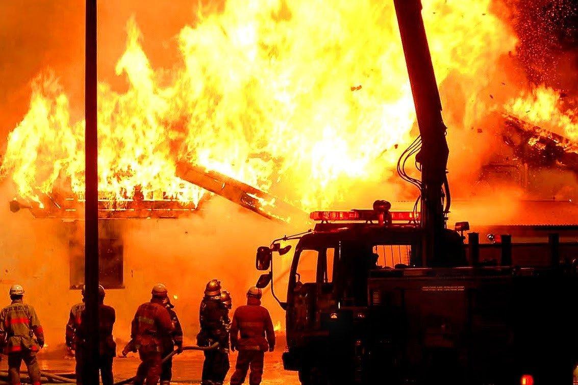 4 человека погибли впожаре вразвлекательном заведении вЯпонии