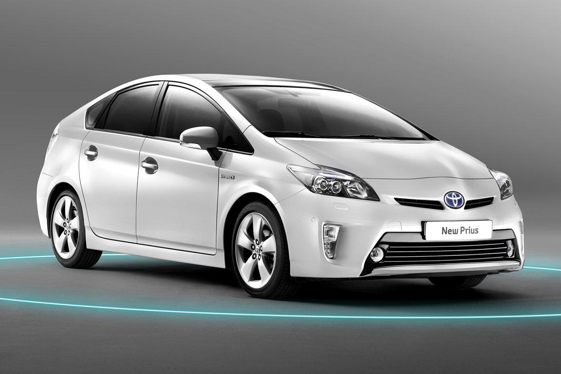 Тойота планирует увеличить продажи электромобилей до 2030г.