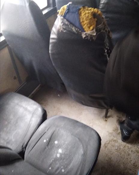 Ростовчане пожаловались наавтобус сразбитым стеклом ипорванными сидениями
