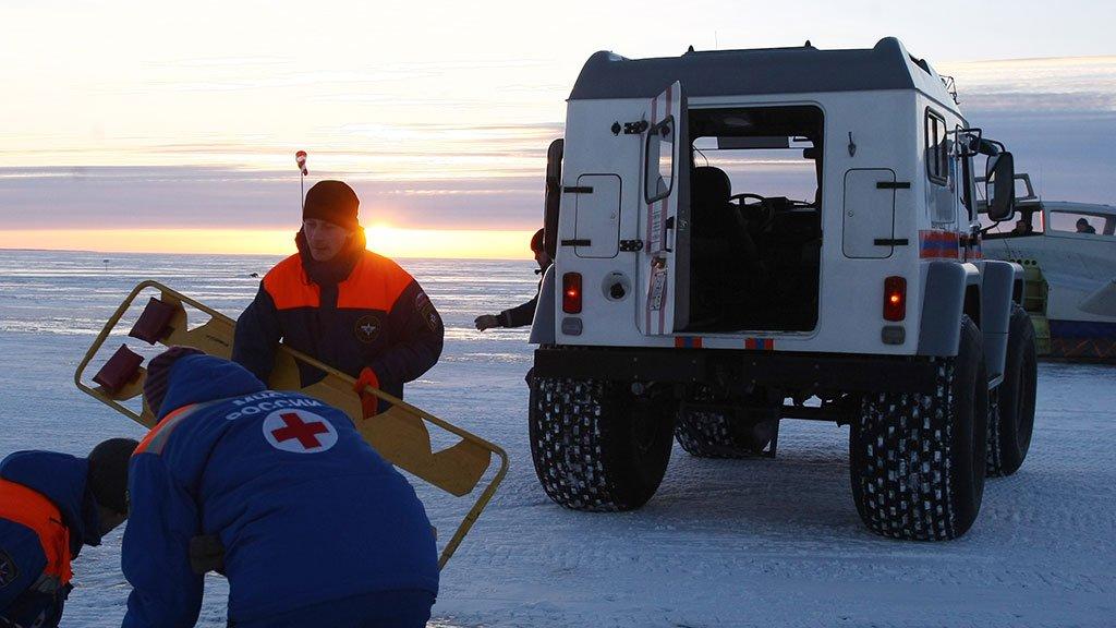 ВКалязине изВолги вытянули тело ребенка, который провалился под лед