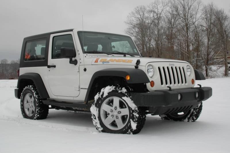 Jeep запустит в реализацию в 2019-ом году четырехдверный пикап Wrangler