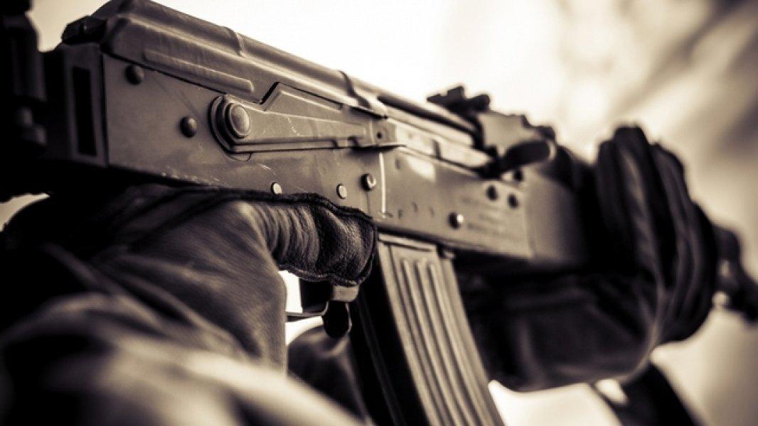Мужчина ранил извинтовки двоих прохожих— Стрельба вПодольске