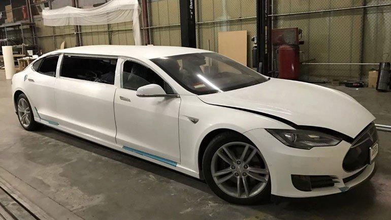 Первый лимузин Tesla появился в продаже