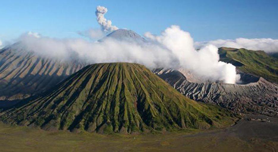 НаБали случилось извержение вулкана