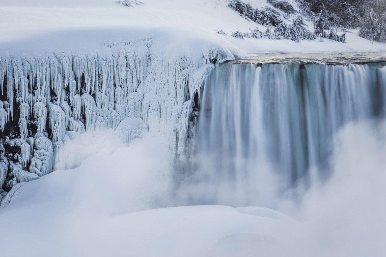 Ниагарский водопад замерз под Новый год