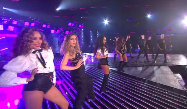 В Британии участниц финала шоу X-Factor раскритиковали за