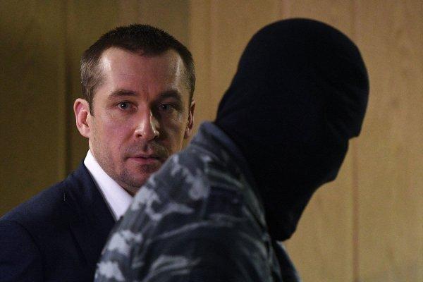 Правоохранители не нашли хозяина миллиардов, изъятых у полковника Захарченко