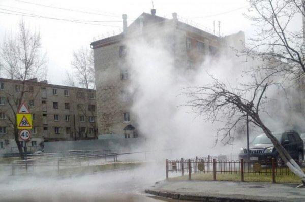 В Санкт-Петербурге снова прорвало трубу с кипятком