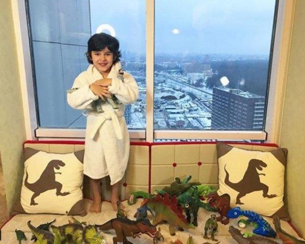 Анфиса Чехова не хочет, чтобы её сын увлекался темой динозавров