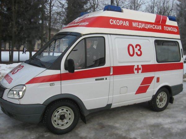 В Москве с набережной в реку упала иномарка