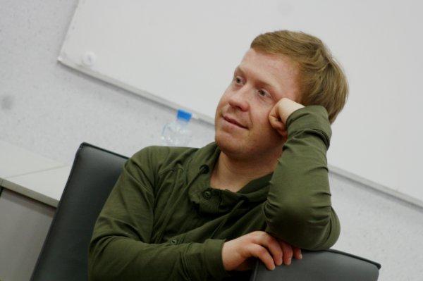 Актёр «Реальных пацанов» загрузил в соцсети отрывок новых «Елок»