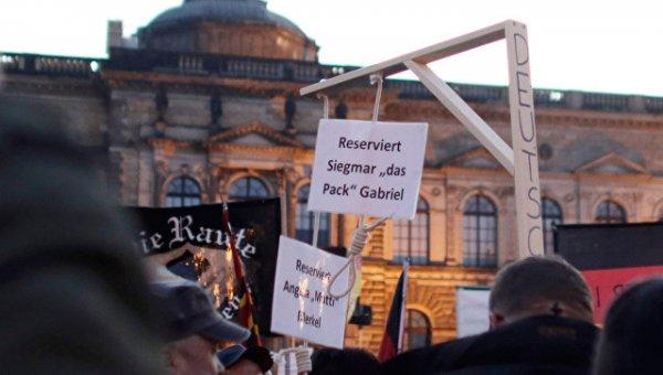 """В Германии разрешили продажу """"виселиц для Меркель"""""""