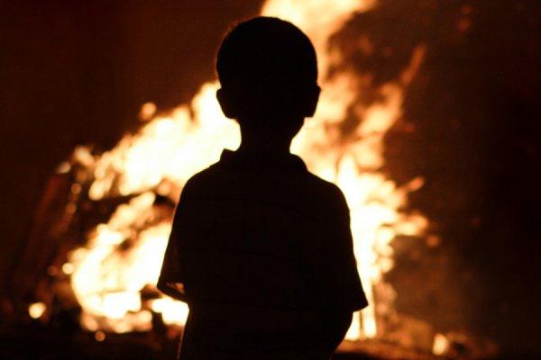 В Смоленской области 9-летний мальчик вынес сестру и братьев из горящего дома