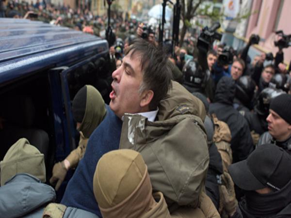 Саакашвили объявил себя иностранцем. Кто выступает в роли кукловода событий?