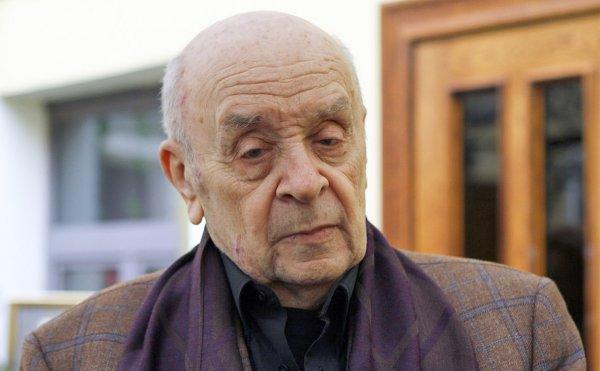 Поклонники и коллеги простились с Броневым в «Ленкоме»