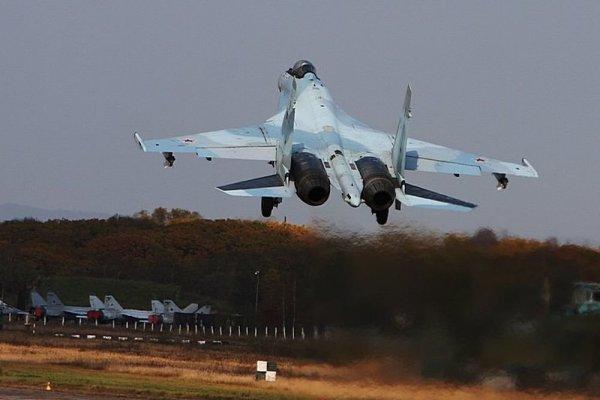 Для летчиков прибывших из Сирии дальних бомбардировщиков Ту-22М3 в Калужской области организовали встречу