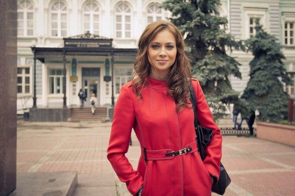 Настасья Самбурская обижена на родителей и хочет отречься от них