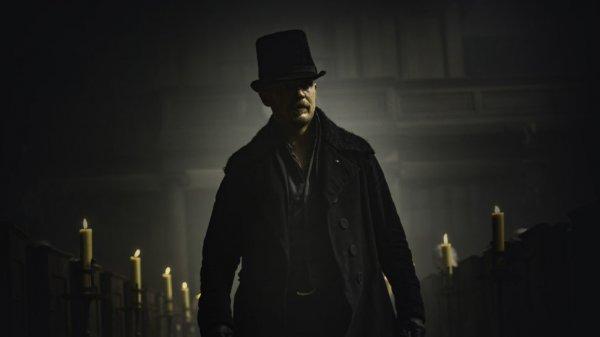 Шляпа Тома Харди возглавила список главных злодеев года