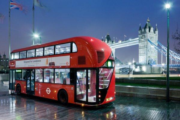 В Лондоне секс пары в автобусе попал на видео