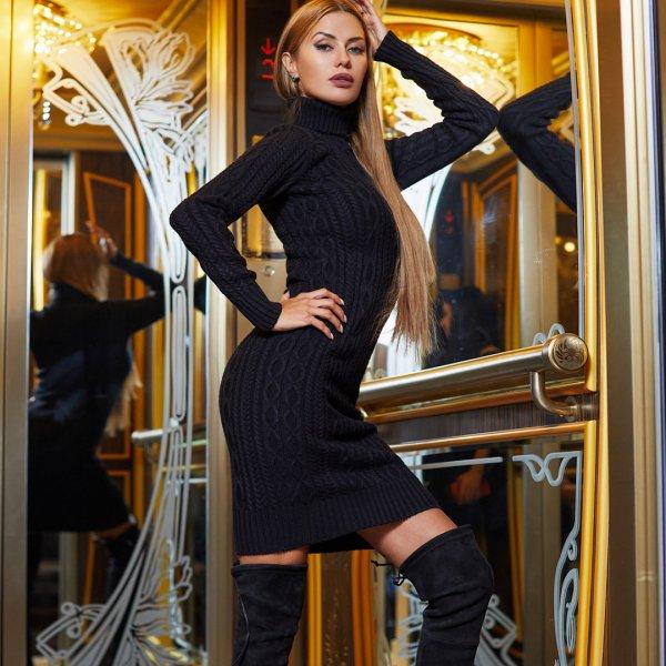 Виктория Боня начала глобальную распродажу своих платьев