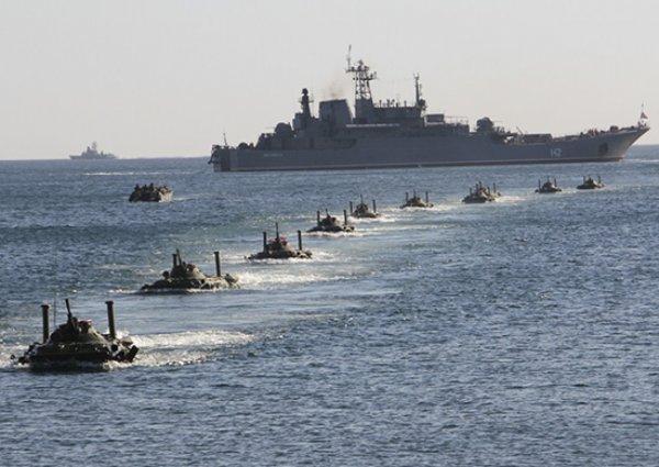 В Севастополе около 40 кораблей ВМФ находятся в боевой готовности