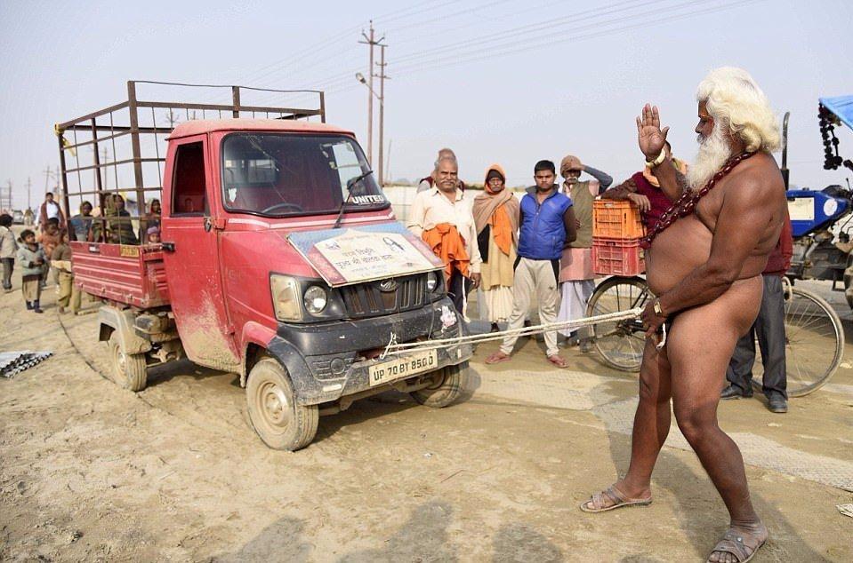 ВИндии монах силой пениса сдвинул сместа автобус