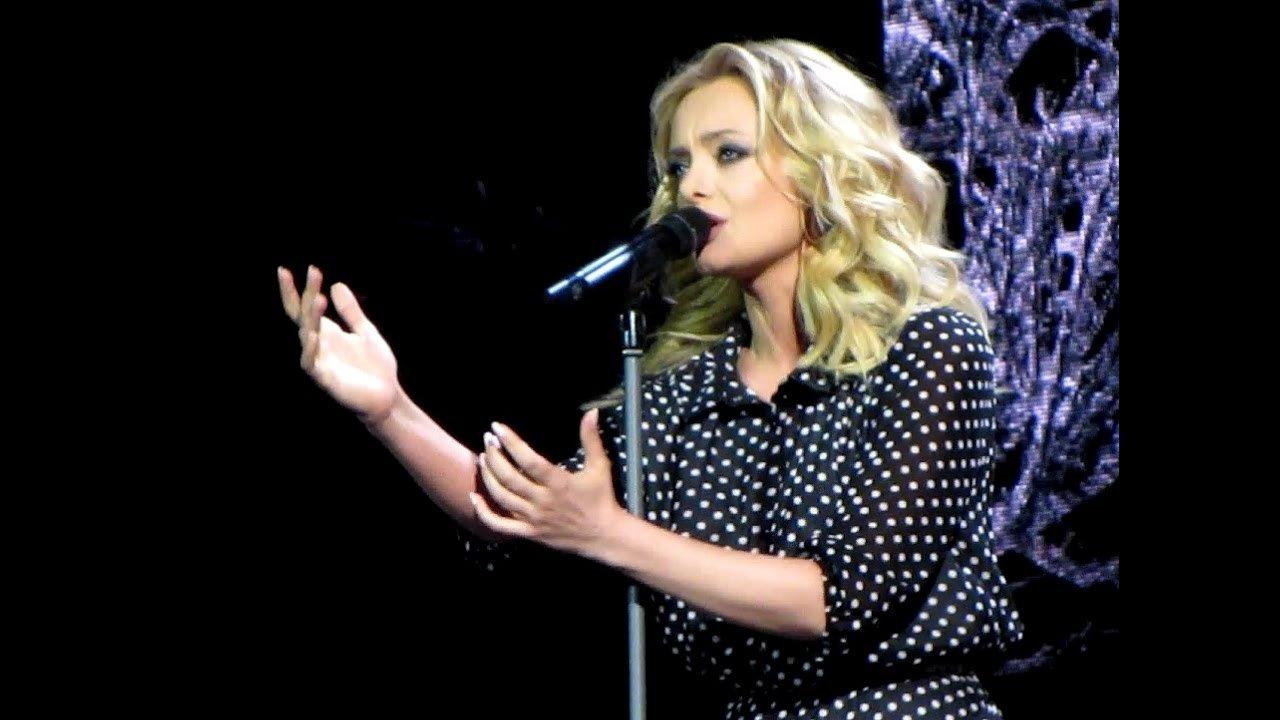 Эстрадная певица Елена Максимова жаловалась на«Первый канал»