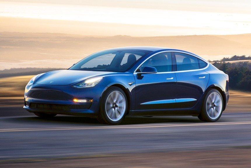 Tesla Model 3 доберется российских дилеров в конце года