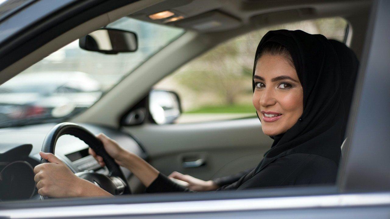 1-ый  автомобильный салон для женщин открылся вСаудовской Аравии