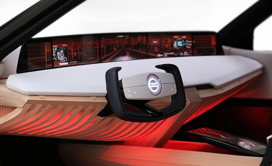 Новый кроссовер Ниссан Xmotion получил 7 дисплеев ирыбку-помощника