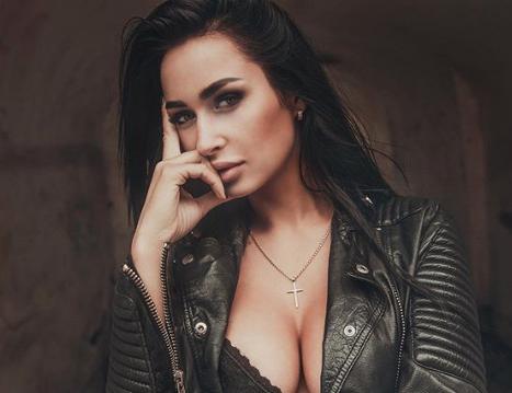 Ольга Бузова шокировала опухшим инеестественным лицом