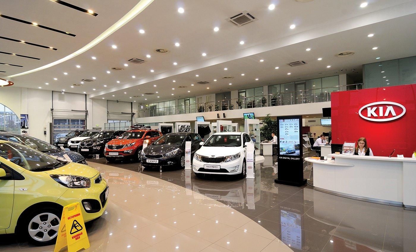 В РФ загод число автосалонов почти неизменилось