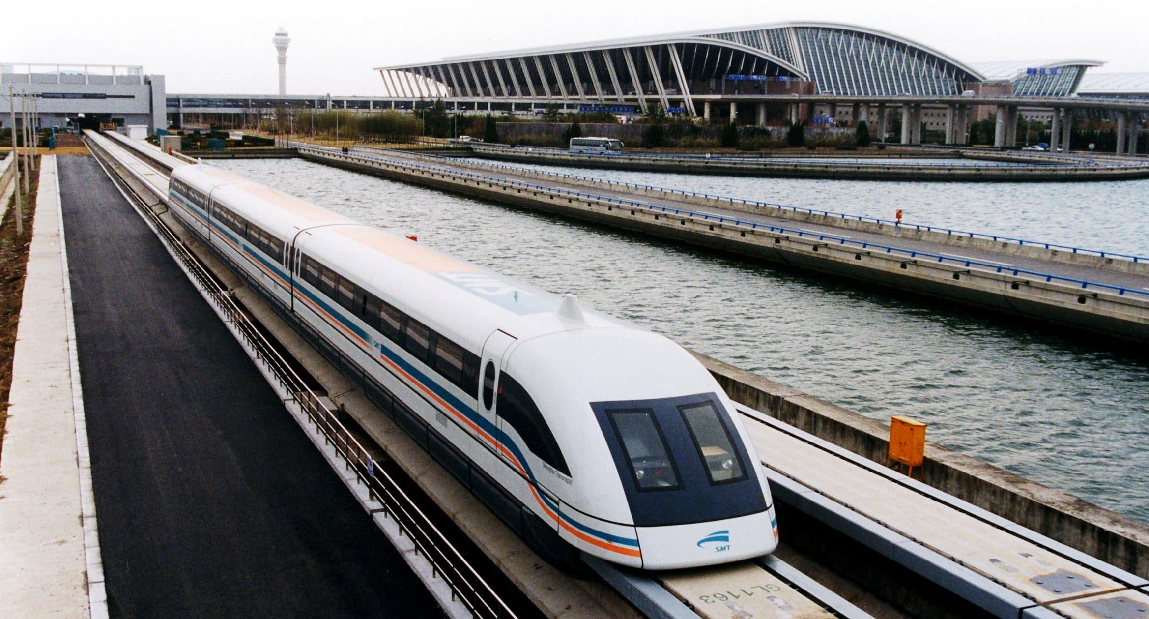 600 км/ч. вКитайской народной республике разрабатывают сверхскоростной поезд намагнитной подушке