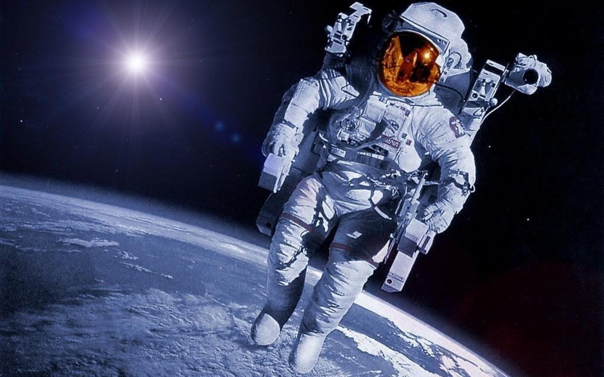 Шкаплеров выйдет в открытый космос