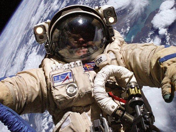 Россия переоденет астронавтов NASA в отечественные скафандры