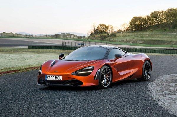 Ричард Хаммонд заправил суперкар McLaren 720S водой вместо бензина