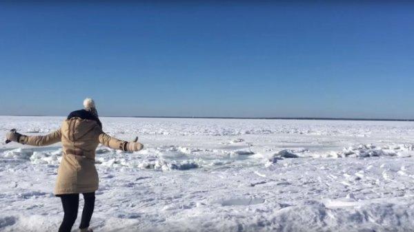 Житель Массачусетса снял на видео замерзший Атлантический океан